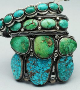 best colors that go with turquoise